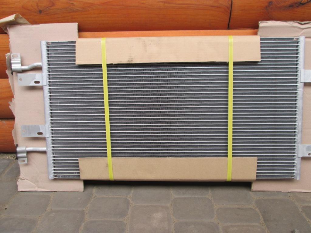 Радиатор кондиционера Opel Vivaro 2.5 dci 2001-2006