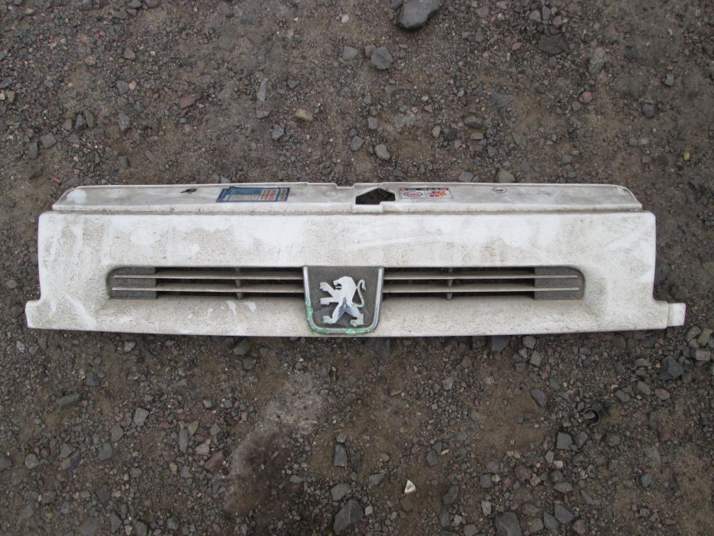 Решетка бампера Peugeot Expert 1996-2006