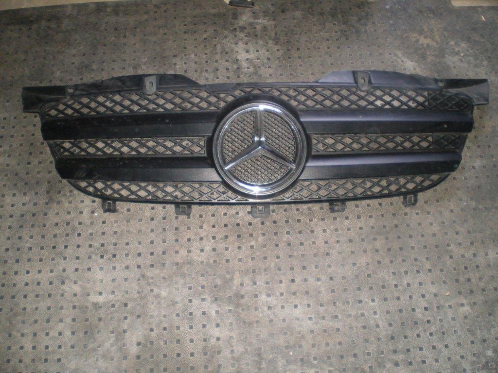 Решетка бампера Mercedes Vito w639 2005-2014