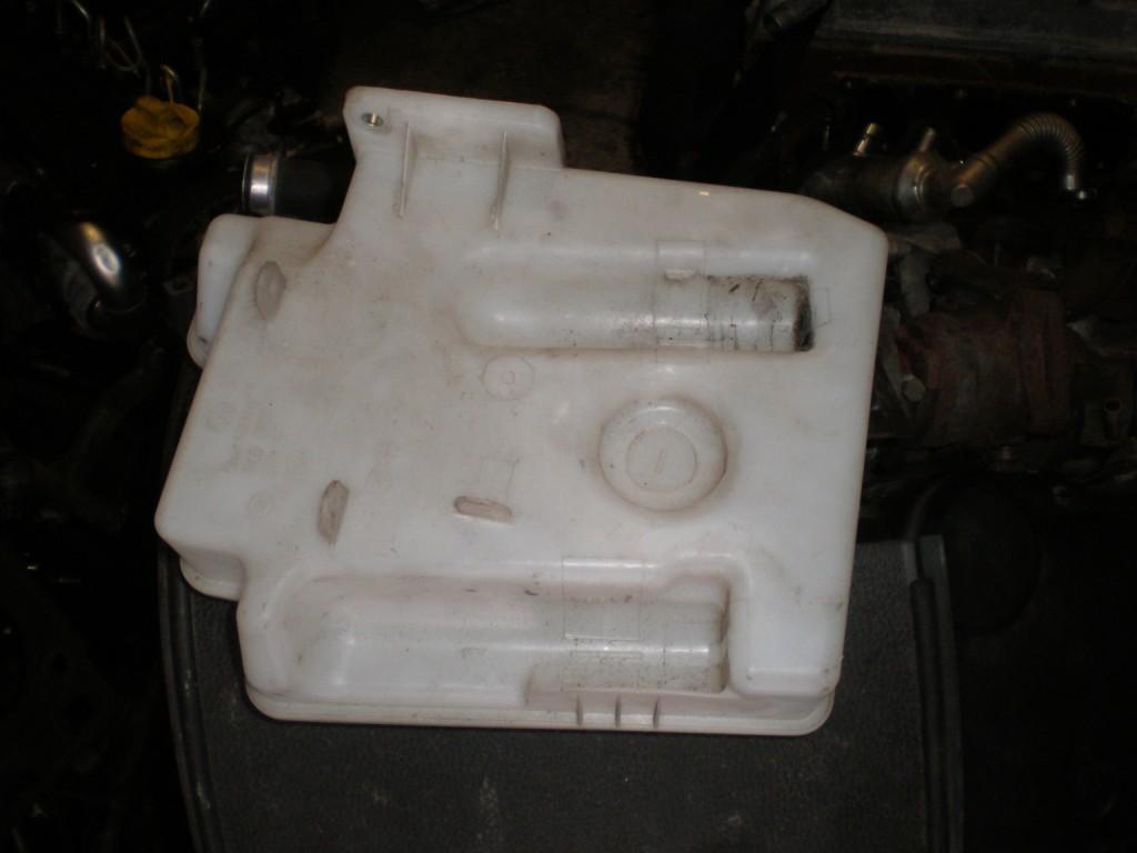Бачок омывателя Volkswagen Caddy 1.9 2004-2014