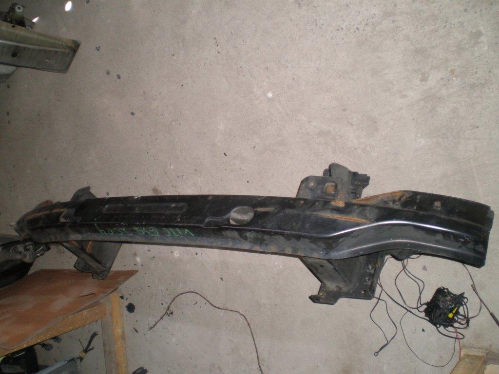Усилитель бампера передний Mercedes Vito 639 2005-2014